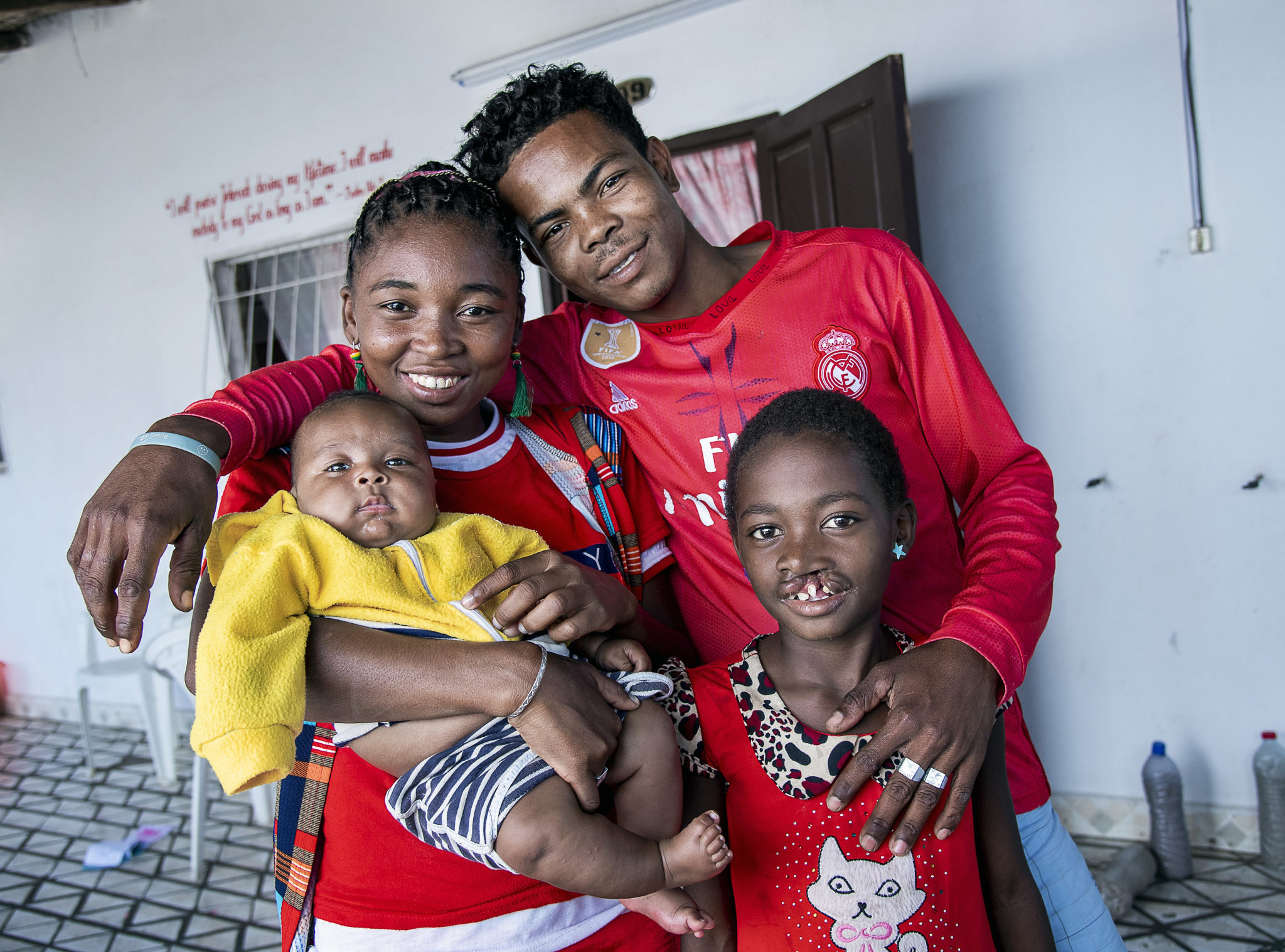 Tiavina med sin familj